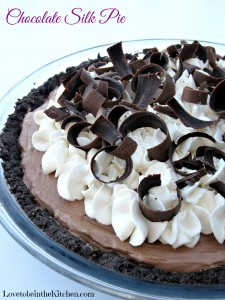 Chocolate Silk Pie (The Perfect Chocolate Pie!)