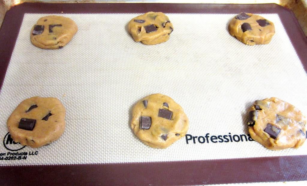 Chewy Chunky Chocolate Pumpkin Cookies (3)