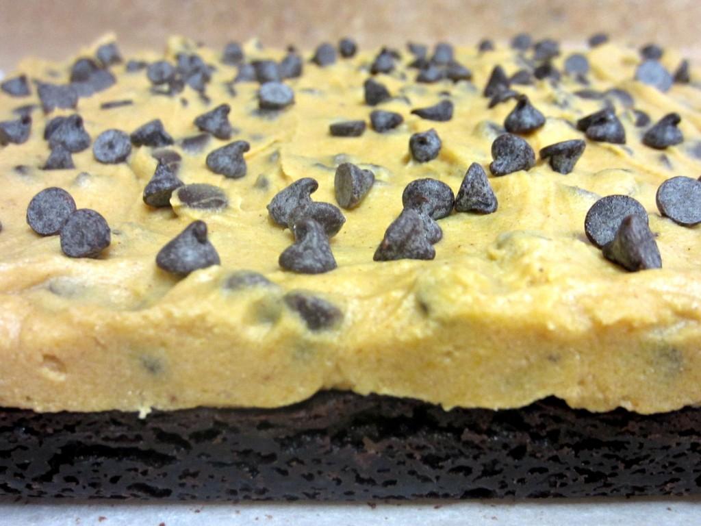 Pumpkin Cookie Dough Brownies (2)