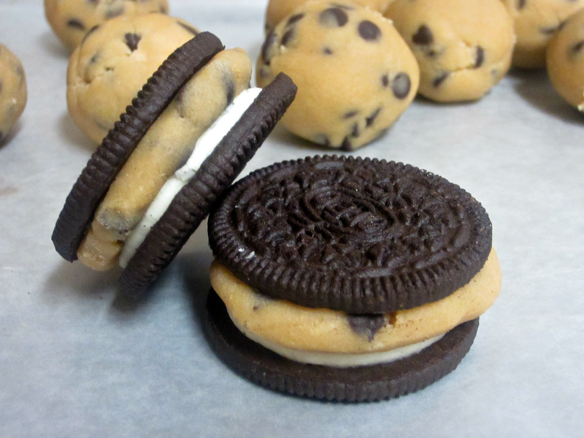 Chocolate Chip Cookie Dough Stuffed Oreos Love To Be In