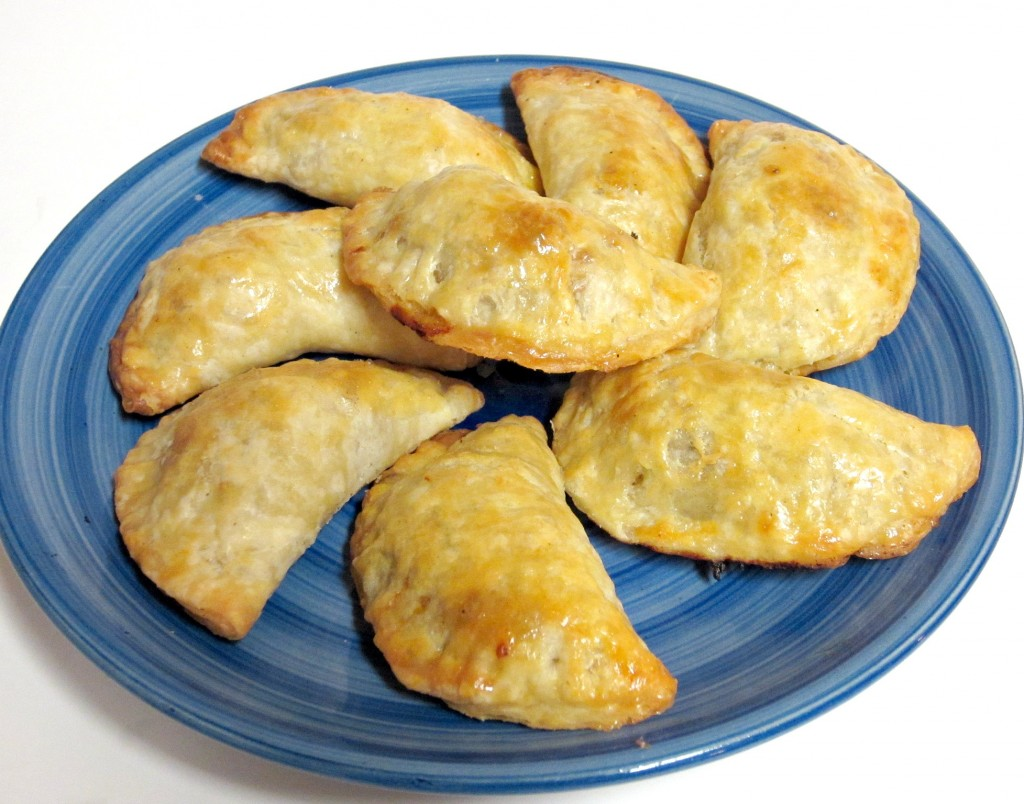 ... cheese with bbq pulled pork mini pulled pork empanadas recept yummly