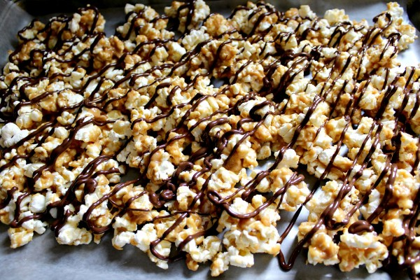 Reese's Peanut Butter Cup Popcorn - Love to be in the Kitchen
