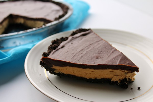 Oreo Peanut Butter Cup Pie - Love to be in the Kitchen