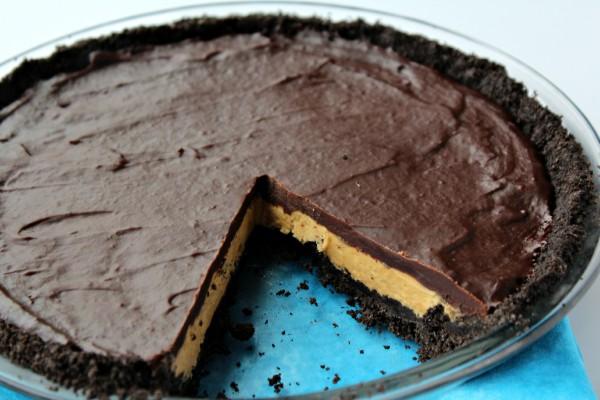 Oreo Peanut Butter Cup Pie