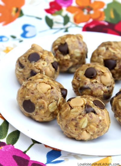 Peanut Butter Chocolate Chip Cookie Energy Bites