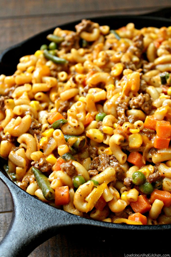 Skillet Cheesy Beef and Veggie Macaroni