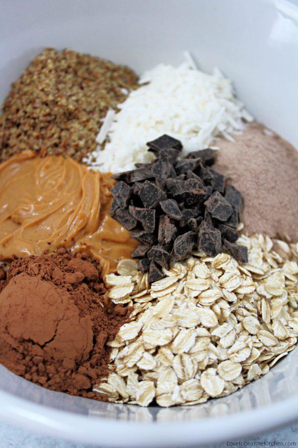 Chocolate Protein Energy Bites